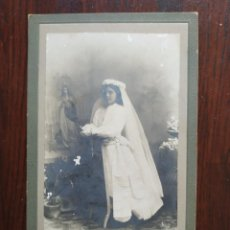 Fotografía antigua: RETRATO 1º COMUNIÓN 1911 CONTXITA OLIVERAS QUIEN FUE ESPOSA DE CARLES MARTI DE SANT BOI DE LLOBREGAT. Lote 170532708