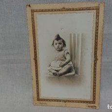 Fotografía antigua: ANTIGUA FOTOGRAFÍA RETRATÓ BEBÉ DEL FOTÓGRAFO IDELMON ( BURGOS) . Lote 172241007