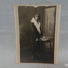 Fotografía antigua: ANTIGUA FOTOGRAFÍA RETRATÓ MUJER DE ÉPOCA DEL FOTÓGRAFO IDELMON ( BURGOS) . Lote 172241305