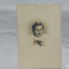 Fotografía antigua: ANTIGUA FOTOGRAFÍA RETRATÓ BEBE . Lote 172250797