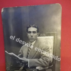 Fotografía antigua: ANTIGUA FOTO CABALLERO POSANDO EN ESTUDIO BANUS FOTÓGRAFO. BARCELONA. Lote 172335228