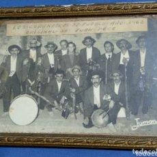 Fotografía antigua: ANTIGUA FOTO DE CARNAVAL LOS CURANDEROS DE PUEBLO 1962. Lote 172798907