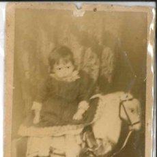 Fotografía antigua: NIÑO A CABALLO AÑOS 1900. Lote 174125074