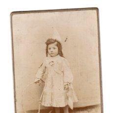 Fotografía antigua: FOTOGRAFIA ALBUMINA CON ESCENA INFANTIL. FOTOGRAFO A. ORTÍ. CABAÑAL, VALENCIA. Lote 175031813