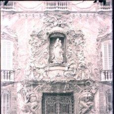 Fotografía antigua: VALENCIA PORTADA PALAU MARQUES DE DOS AGUAS GRAN NEGATIVO DE CRISTAL . Lote 175428352
