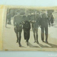 Fotografía antigua: ANTIGUO ALBUM DE FOTOS EN BLANCO Y NEGRO. Lote 175521574