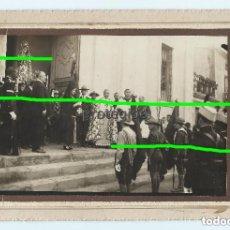 Fotografía antigua: SCOUT. EN LA PUERTA DE LA IGLESIA DE SAN JOSÉ. ÁGUILAS, MURCIA. FOTÓGRAFO JOSÉ MATRÁN. ÁGUILAS.. Lote 175593582