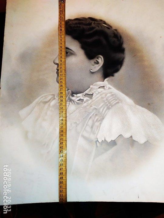 Fotografía antigua: MUY GRANDE CREO FOTOGRAFÍA RETOCADA COMO RETRATO CHICA SEÑORA PRECIOSA VICTORIANA? - Foto 18 - 175804105