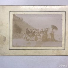 Fotografía antigua: ALBUMINA ANTIGUA. FOTOGRAFÍA, FAMILIA EN LA PLAYA......(FIN SIGLO XIX). Lote 175943394