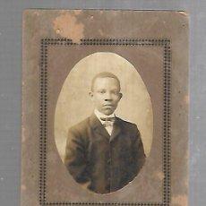 Fotografía antigua: ANTIGUA FOTOGRAFIA DE ESTUDIO DE UN NIÑO CUBANO. FOTO JOVEN CUBANO. 11 X 17CM.. Lote 176176265