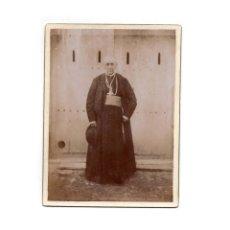 Fotografía antigua: FOTO CABINET.- RELIGIOSA. CURA. SACERDOTE.9 X 12 CM. APROX.. Lote 177568893