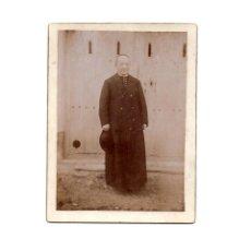 Fotografía antigua: FOTO CABINET.- RELIGIOSA. CURA. SACERDOTE.9 X 12 CM. APROX.. Lote 177568948