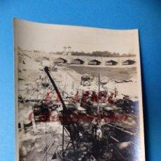 Fotografía antigua: VALENCIA - CONSTRUCCION DEL PUENTE DE ARAGON - FOTOGRAFICA - AÑOS 1925-30. Lote 178098533