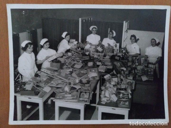 FOTO HOSPITAL CLINICO BARCELONA SALA DE POLIO AÑOS 60 NAVIDAD (Fotografía Antigua - Albúmina)