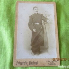Fotografía antigua: MILITAR DE LA COMPAÑIA 51-.FOTOGRAFIA NACIONAL. P. SAN FRANCISCO 9, 2º, VALENCIA. FORMATO 13 X 8 CM.. Lote 178576785