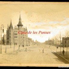 Fotografía antigua: CASA DE LES PUNXES - DIAGONAL - 1905 - JOSEP PUIG I CADAFALCH. Lote 179390275