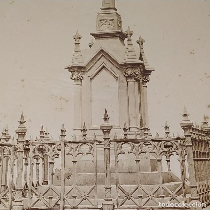 Fotografía antigua: PANTEÓN NEOGÓTICO. FOTOGRAFÍA. ALBÚMINA. ESPAÑA. FINALES SIGLO XIX - Foto 5 - 181028611