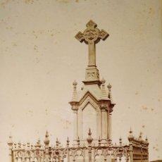 Fotografía antigua: PANTEÓN NEOGÓTICO. FOTOGRAFÍA. ALBÚMINA. ESPAÑA. FINALES SIGLO XIX. Lote 181028611