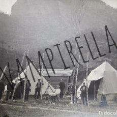 Fotografía antigua: FOTOGRAFIA DE UN GRUPO DE INGENIEROS Y TOPÓGRAFOS EN CAMPAMENTO.MONISTROL BARCELONA 1883. Lote 181209545