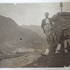 Fotografía antigua: F-4456. EN LA CUMBRE. FOTO DE GRUPO EXCURSIONISTAS. CATALUNYA. PRINCIPIOS SIGLO XX.. Lote 181949740
