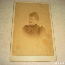 Fotografía antigua: ANTIGUA FOTO DE BUSTO DE SEÑORA. 21 X 13 CM.. Lote 182261068