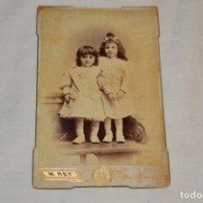 Fotografía antigua: FOTOGRAFÍA ALBÚMINA - SOBRE FINALES 1800 - MANUEL REY - C/ COMEDIAS Y CONSTITUCIÓN - MÁLAGA - ¡MIRA!. Lote 182352951