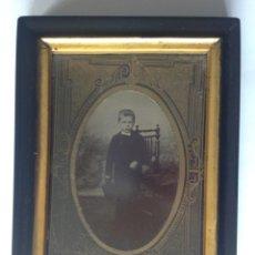 Fotografía antigua: S XIX ANTIGUA FOTOGRAFÍA ENMARCADA DE UN NIÑO. Lote 183482036