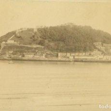 Fotografía antigua: SAN SEBASTIAN.VISTA GENERAL DE LA CONCHA TOMADA DESDE LA ANTIGUA. H. 1880. FOTO BERILLON BAYONA. Lote 184043305