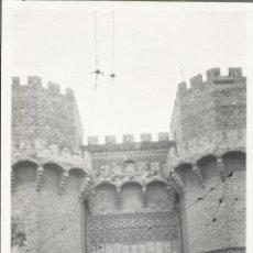 Fotografía antigua: VALENCIA 1926 TORRES DE SERRANO. Lote 186060205