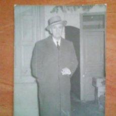 Fotografía antigua: 1961 FOTOGRAFÍA FIRMADA AL DORSO POR EL CONDE V..........?. Lote 190486461