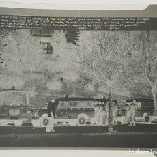 Fotografía antigua: NEGATIVO CELULOIDE FOTO PRESS ORIGINAL ÚNICA POLICIA EN CAMPUS UNIVERSIDAD DE MADRID 1975. Lote 191490066