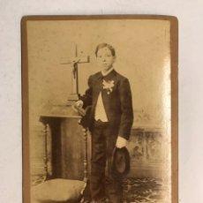 Fotografía antigua: CABAÑAL (VALENCIA) ANTIGUA FOTOGRAFÍA. ANTONIO EN EL DÍA DE SU PRIMERA COMUNION (FIN S.XIX). Lote 191586193