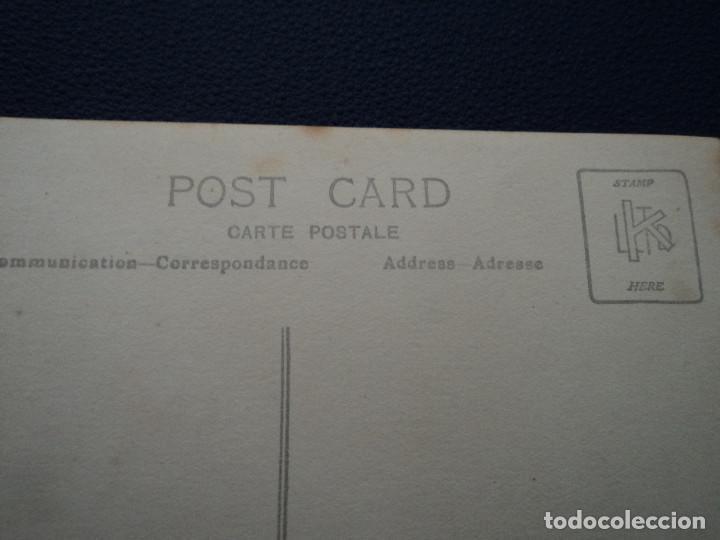 Fotografía antigua: antigua tarjeta postal novios saliendo la iglesia - Foto 2 - 194185592