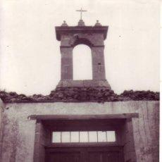 Fotografía antigua: LAS PALMAS - DETALLE DE LA ERMITA DE S. PEDRO DE TELDE. Lote 194264510