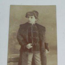 Fotografía antigua: FOTOGRAFIA ALBUMINA DE NIÑO ELEGANTEMENTE VESTIDO, CHAQUETA CON ALAMARES, FOTO M. ALVIACH, MADRID, M. Lote 194364922