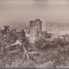 Fotografía antigua: GRAN FOTOGRAFÍA. Nº 173. ALHAMBRA. LAS TORRES BERMEJAS. GARZÓN, FOTÓGRAFO. GRANADA . Lote 194632033