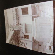 Fotografía antigua: SIGLO XIX FOTOGRAFIA ALBUMINA DE VALENCIA - COLEGIO DEL PATRIARCA LA PALLETERA ESTATUA ROMANA. Lote 194774491
