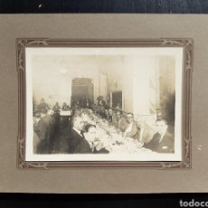 Fotografía antigua: ANTIGUA FOTOGRAFÍA CENA VARONES.. Lote 194779137
