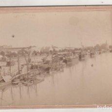 Fotografía antigua: FOTOGRAFÍA 16,50 X 11 CM ALBÚMINA SEVILLA UNA VISTA DEL PUERTO. BEAUCHY FOTÓGRAFO. . Lote 194884793