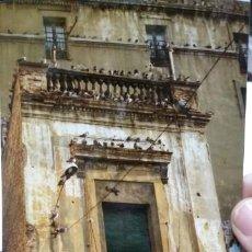 Fotografía antigua: FOTOGRAFIA BILBAO ANTIGUO EDIFICIO DEL CASCO VIEJO HOY EN DIA REFORMADO ORIGINAL AÑOS OCHENTA. Lote 194888253