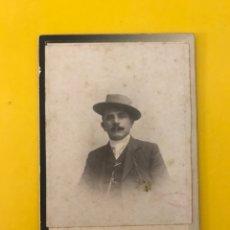 Fotografía antigua: PALERMO. FOTOGRAFÍA SOUVENIR.. SEÑOR CON SOMBRERO. FORMATO MARGHERITA (H.1900?). Lote 195139022