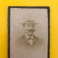Fotografía antigua: SICILIA. FOTOGRAFÍA ANTIGUA. CABALLERO DE LARGOS BIGOTES... RETRATO ANÓNIMO (H.1890?). Lote 195146540