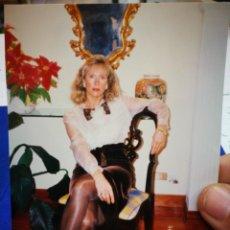 Fotografía antigua: FOTOGRAFÍA MUJER MUY ELEGANTE POSANDO SENTADA. Lote 195225463