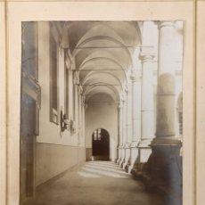 Fotografía antigua: FOTOGRAFÍA. CLAUSTRO ITALIANO. BARONE DI BUGGILANNI, MEDIDAS: 23,5 X 19 CM., FIN SIGLO XIX). Lote 195336933