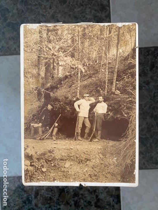 FOTOGRAFIA ORIGINAL A DOCUMENTAR , DEL AÑO 1895 Y CON TEXTO AL REVERSO , EN LA GRUTA (Fotografía Antigua - Albúmina)