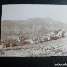 Fotografía antigua: SANTA CRUZ DE LA SEROS HUESCA VISTA DEL MONASTERIO FOTOGRAFIA ALBUMINA HACIA 1900 8 X 11 CMTS. Lote 197250697