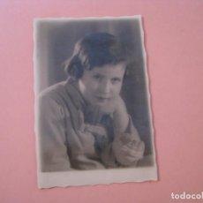 Fotografía antigua: FOTO DE UNA NIÑA. GRANADA 1934. 12,5X8,5 CM.. Lote 199243055