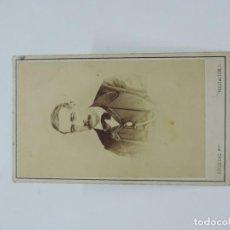 Fotografía antigua: FOTOGRAFIA ALBUMINA TIPO CDV DE CABALLERO, FOTO SOCIEDAD, MADRID, MIDE 10 X 6 CMS.. Lote 207354667