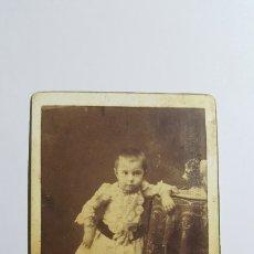 Fotografía antigua: GRAN ALBUMINA FINALES XIX. NIÑA. VIUDA DE OLIVAN E HIJO. PASEO CARMELITAS. SALAMANCA. 10 X 6 CM. Lote 208140226