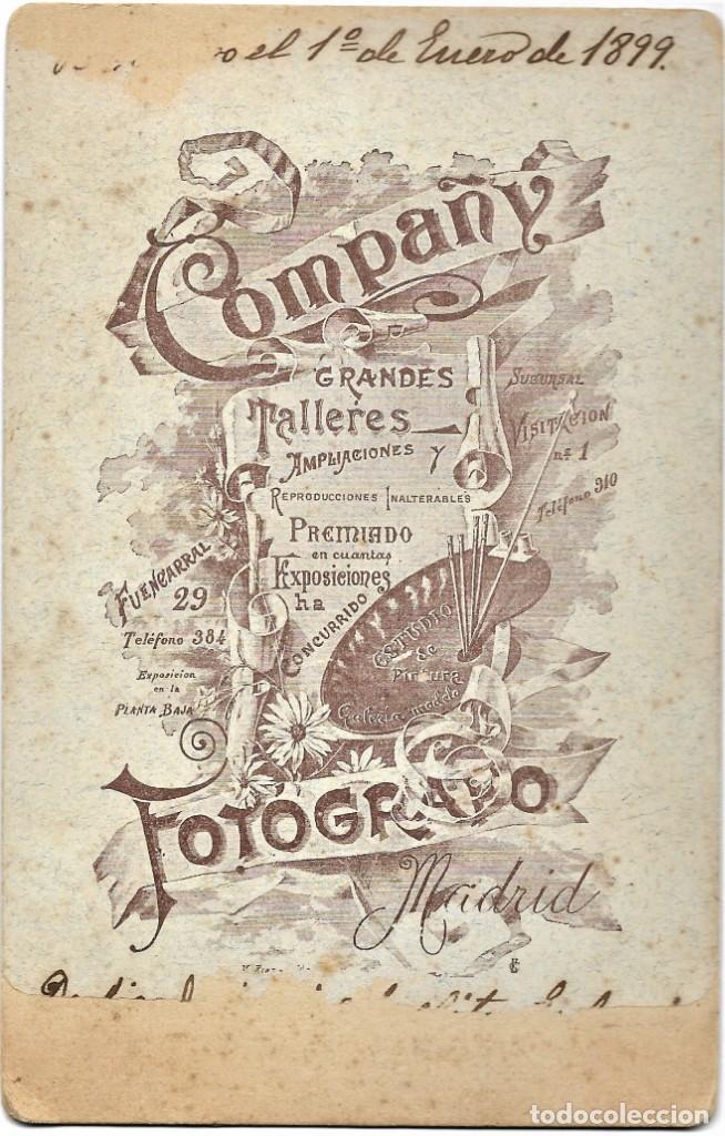Fotografía antigua: NIÑO CON UN ARO - COMPANY FOTÓGRAFO, MADRID - 1º ENERO DE 1899 - Foto 3 - 210934999
